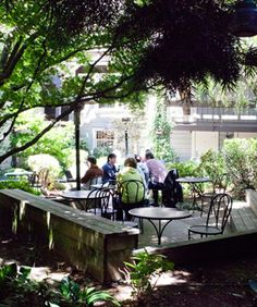 14 Pretty Patios For Alfresco Dining In S.F. #refinery29  http://www.refinery29.com/best-patios-san-francisco