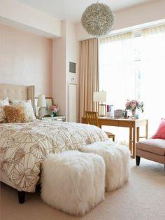 fellhocker weiß attraktiv schlafzimmer beige akzente