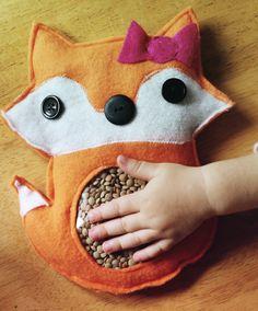 Estimule os sentidos e a coordenação motora dos pequenos com brinquedos como esse, que você pode fazer em casa. #criançada #DIY #inspiração
