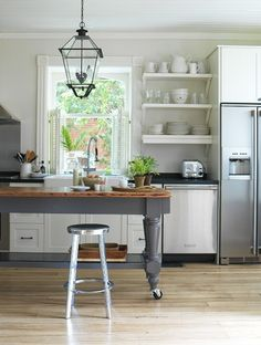 i <3 this island [Simplified Bee®: Beautiful, Functional Kitchen Islands]