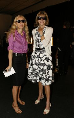 Franca Sozzani with American Vogue Editor Anna Wintour, in Milan Fashion Weeks, Fashion Over 50, London Fashion, Anna Wintour Style, Stockholm Street Style, Paris Street, Vintage Vogue, Street Style Looks, Fashion Editor