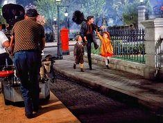Dick Van Dyke, Karen Dotrice, and Matthew Garber in Mary Poppins Old Disney, Vintage Disney, Disney Love, Disney Nerd, Julie Andrews Mary Poppins, Mary Poppins 1964, Karen Dotrice, Matthew Garber, Merry Poppins