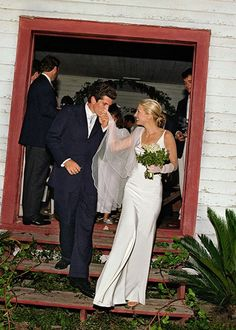Wedding Dress Trend: '90s Minimalism