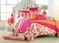 Blend #orange and #pink from the Splendor and Mishra collections for a #colorful and bright bedroom