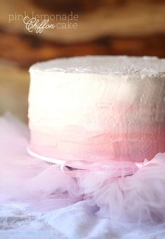 Pink Lemonade Chiffon Cake ~ A super soft cake topped with pink lemonade buttercream! The recipe to the frosting is the same as the maple buttercream frosting but the maple syrup is replaced with lemonade and the flavoring is replaced with lemon jus. Cake Frosting Recipe, Frosting Recipes, Cake Recipes, Dessert Recipes, Buttercream Frosting, Party Desserts, Cupcakes, Cupcake Cakes, Cake Cookies