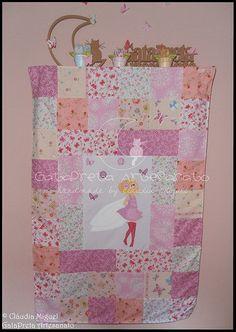 """Colcha em patchwork para cama de grades """"Blooming Fairies II""""."""