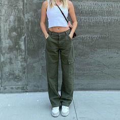 Denim Cargo Pants, Cargo Pants Outfit, Green Cargo Pants, Cargo Pants Women, Green Jeans, Trousers Women, Pants For Women, Baggy Jeans For Women, Sweat Shirt
