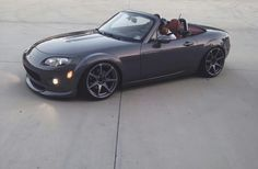 mazda miata mx5 eunos roadster... look just like my baby