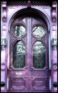 Purple door April would like this too Grand Entrance, Entrance Doors, Doorway, Front Doors, Cool Doors, Unique Doors, Knobs And Knockers, Door Knobs, Door Handles