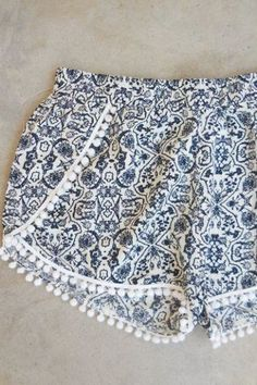 This post may contain affiliate links. The free shorts pattern is for the Boudoir Shorts designed by Tara Miller and published in the Stitch Magazine. These modern wrap shorts feature a feminine curved slit in the front and they can be … Read Wedding Dress Sewing Patterns, Evening Dress Patterns, Sewing Patterns Free, Free Sewing, Shirt Patterns, Sewing Diy, Coat Patterns, Sewing Shorts, Sewing Clothes