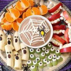 30 Awesome Halloween Party Ideas 30 Awesome Halloween Party Ideas Holiday Vault The post 30 Awesome Halloween Party Ideas appeared first on Halloween Desserts. Halloween Desserts, Buffet Halloween, Comida De Halloween Ideas, Postres Halloween, Hallowen Food, Healthy Halloween Treats, Halloween Party Snacks, Halloween Appetizers, Halloween Goodies