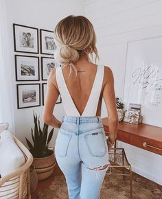 jeans & white top Cute Date Outfits, Best Casual Outfits, Chic Outfits, Summer Outfits, Fashion Outfits, Girly Outfits, Fashion Clothes, Fashion Accessories, Fashion Trends