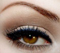 Cover Girl: Navy blue eyeliner