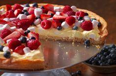 #Patriotic #MemorialDay #4thOfJuly ♥  Patriotic Fruit Pizza recipe www.partyideasonline.com