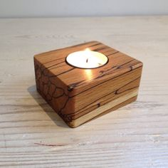 For the perfect mood as you have tea Wooden Tea Light Holder, Modern Candle Holders, Candle Stand, Candle Holder Set, Tealight Candle Holders, Hygge, Tea Light Candles, Tea Lights, 2x4 Wood Projects