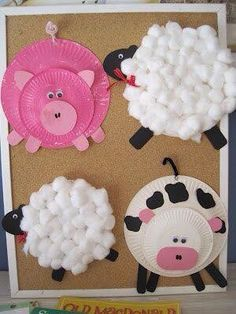 Peppa decorations out of disposable plates.