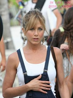 Google Image Result for http://icydk.com/wp-content/uploads/2008/04/jennifer_aniston_shoots_a_scene_for_marley_and_me_in_miami_beach-32_122_1155lo.jpg