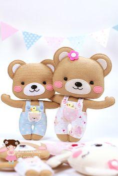 """Mais abraço de Urso!  Olá queridos e queridas! O inverno chegou! Por aqui está bem frio! E por aí? Vamos nos aquecer num """"abraço de urso""""?  Amanhã tem molde!"""