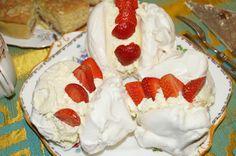 Strawberry Meringues!!