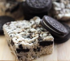 Ingredients:4 cups crispy rice cereal2 scoops Cookies and Cream Protein Powder1/4 cup nut butter1 Tbsp. coconut oil1/2 cup brown rice syrup or honey1 pack of crushed oreo cookiesDirections:Spray a 8x8 baking panIn a medium-...
