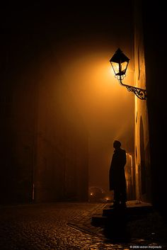 This one has it all: shadow, silhouette, noir Night Photography, Street Photography, Art Photography, Digital Photography, Photocollage, Street Lamp, Chiaroscuro, Light And Shadow, Belle Photo