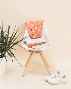 Sie ist da! Unsere Bloom Schnittmuster Kollektion! Nachdem wir die letzten beiden Male mit einzelnen Schnittmustern in die Nähwelt gegangen sind, freuen wir… Inspiration, Bloom, Chair, Furniture, Super, Home Decor, Trends, Shirts, Instagram