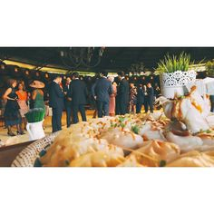 Buffet oriental en el aperitivo de una boda en #Jerez este fin de semana. #tuotracocina #sushi #makisushi #uramaki #maki #niguiri #oniguiri #gyoza #dimsum #sashimi #tataki #atun #salmon #chef #chefwithtattooes #tattooedchef #catering #buffet #gastronomía #gourmet #showcooking #eventos #eventosdiferentes #boda #wedding #sevilla #sevillahoy by tuotracocina