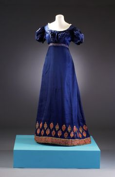 Blue silk evening gown, Museum at Bath, 1815-19