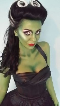 Amsterdam Spook puts on legendary costume parties in Amsterdam, including The Surrealist Ball and a Halloween Costume Party to die for! Halloween Pin Up, Halloween 2019, Holidays Halloween, Halloween Party, Happy Halloween, Halloween Makeup, Hallowen Costume, Family Halloween Costumes, Halloween Cosplay