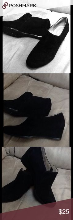 Easy Spirit Black Suede Bootie Worn once for our deaprtment store fashion shoe. No original box. No damage to the shoes . Black suede with a heel of approx 2 inches Style name of Lareina. Easy Spirit Shoes Ankle Boots & Booties