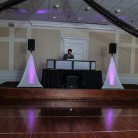 a standard mobile DJ wedding setup