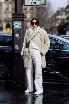 Street Style Paris Fashion Week Fall 2019 - Best Looks at Fashion Week Fall Fashion Week, Winter Fashion Outfits, Autumn Fashion, Paris Outfits, Look Street Style, Autumn Street Style, Cool Street Fashion, Paris Fashion, India Fashion