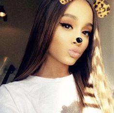 Ariana Grande // @sopahantic