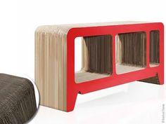 Le designer industriel allemand Reinhard Dienes vient d'imaginer une ligne surprenante de mobilier contemporain. Bien au-delà des lignes et des formes minimalistes et épurées, ces bibliothèques et buffets ont entièrement été réalisés en carton ondulé.Ecologique et fonctionnel, ce matériau cente