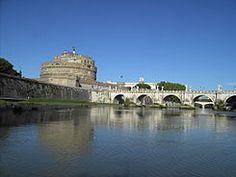 Cap 3: Los chicos con el comite de bienvenida y los cinco chicos del pasado segueron el curso del rio Tiber en Italia.