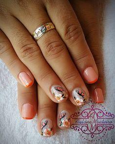 Porque eu ameiiii essas unhas.  Lindaaaas.  Cliente: Vanessa  #nãoéadesivo  #Nails #Unhas #UnhasDecoradas #Unhas2inspire #CuteNails #NailsTutorial #NailsDid #NailsShop #Nails4Ummies #NailsTamping #Nailswag #NalitDaily #Nailsofinstagram #NailsDesing #Nailsmagazine #Nailsmakeus #NailartJunkie #NailartDesing #NailsPolish #NailsTagram #NailTutorial #UnhasTutorial #Unhas2inspire #Nailart #Nalarts #instafollow #dicasdeunhasbr by aylanemonteironails