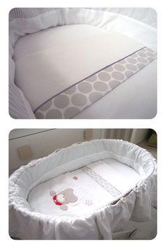 sabanas moises DIY 9 Cómo hacer un juego de sábanas para moisés o cochecito Sewing For Kids, Baby Sewing, Diy For Kids, Baby Applique, Baby Dress Patterns, Rabbit Baby, Moses Basket, Baby Bedroom, Baby Decor