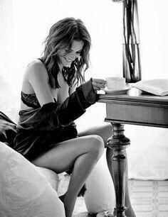 Sexy Coffee With Karissa Coffee Girl, I Love Coffee, Hot Coffee, Coffee Drinks, Café Sexy, Good Morning Coffee, Coffee Break, Morning Sun, Nora Jones