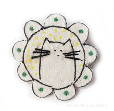 Brooch Kitten – a unique product by Beata Maria Zdyb