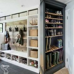 Mudroom Ideas - Mudrooms as well as entries can be crucial for maintaining your home organized. If you're desiring a stylish and also efficient space, check out these . ideas laundry Smart Mudroom Ideas to Enhance Your Home Mudroom Laundry Room, Laundry Room Design, Mud Room Lockers, Mudroom Cubbies, Mud Room Garage, Garage Entry, Shoe Storage Laundry Room, Mudroom Cabinets, Garage Storage Cabinets