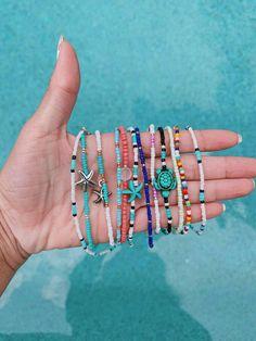 Diy Bracelets Easy, Summer Bracelets, Bracelet Crafts, Cute Bracelets, Summer Jewelry, Ankle Bracelets, Beaded Bracelets, Handmade Bracelets, Hippie Bracelets