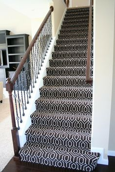 Green patterned stair carpet patterned carpet for stairs best patterned stair carpet ideas on staircase patterned Patterned Stair Carpet, Stairway Carpet, Stairs With Carpet, Black And White Stairs, White Walls, Staircase Makeover, Staircase Remodel, Staircase Ideas, Diy Carpet