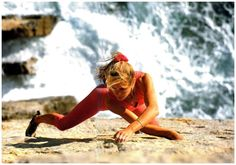 Isabelle Patissier on Dancing Dalle? Finale Ligure, Italy? 80s ph Philippe Fragnol(843×592)