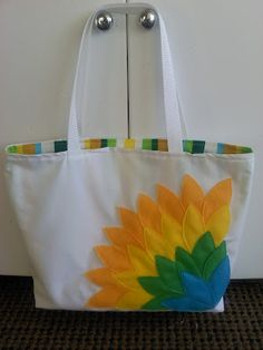 Beach Tote... I need to learn how to sew 1st!!