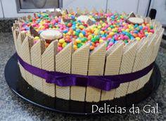 Torta Candy, Candy Cakes, Cupcake Cakes, Cake Frosting Designs, Cake Designs, Chocolate Garnishes, Chocolate Recipes, Bolo Tiramisu, Bolo Fondant