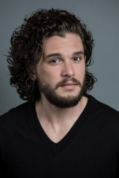25 Layered Haircuts for Men to Try Out – Men Hairstyles World - New Site Beard Styles For Men, Hair And Beard Styles, Curly Hair Styles, Jon Snow, Kit Harington, Layered Haircuts, Haircuts For Men, Men Hairstyles, Curly Hair Drawing