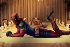 Century Fox has sent a Happy Thanksgiving greeting from the Deadpool movie featuring Ryan Reynolds as the Marvel character. Deadpool Superhero, Deadpool 2016, Deadpool Movie, Deadpool Stuff, Deadpool Art, Deadpool Funny, Dead Pool, Wade Wilson, Films Marvel