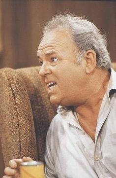 2 augustus 2013: Karakter. Foto: Vandaag jarig Carroll O'Connor, (1924–2001), zette in zijn werkende jaren ruim 30 rolprenten achter zijn naam, maar kreeg de grootste faam als de homofobe, racistische Archie Bunker in  All in the Family (1971–1979)