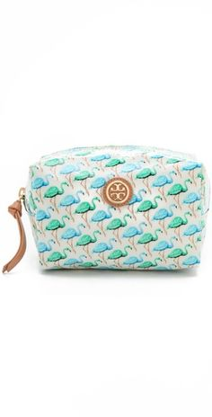 Flamingo cosmetic bag? Yes, please.