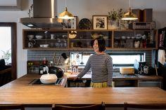 Cozy Kitchen, Kitchen Design, Kitchen Cabinets, Living Room, Interior Design, Table, House, Inspiration, Furniture